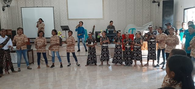 Sponsored children teaching New Zealand Sponsors how to dance and sing Indonesia songs